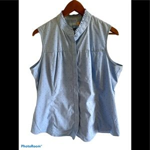 3/$30 Denver Hayes sleeveless button up blouse